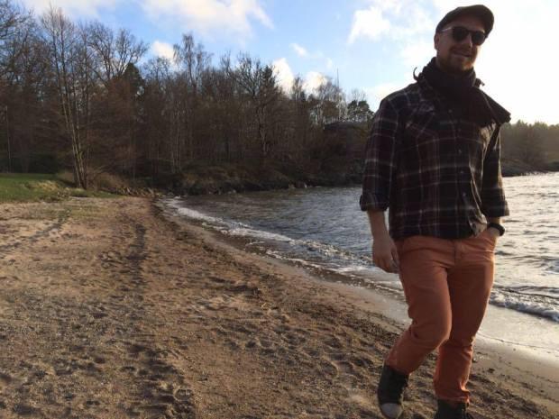 Daniel Petrén på stranden